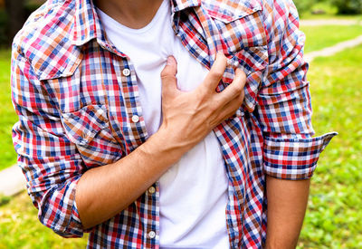 """These Unusual Symptoms May Indicate a """"Silent"""" Heart Attack"""