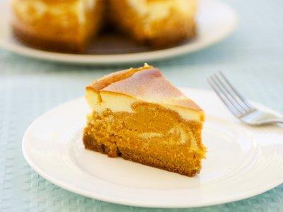 Kahlua Marbled Pumpkin Cheesecake