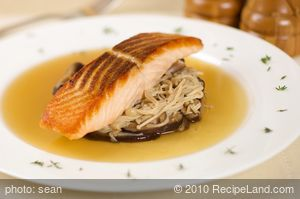 Crispy Salmon with Mushrooms