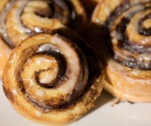 Cinnabon Cinnamon Rolls/Buns