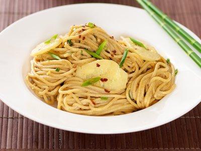 Cold Oriental Noodles with Peanut Sauce