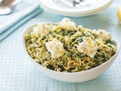 Fusilli (or Rotini) with Ricotta and Spinach