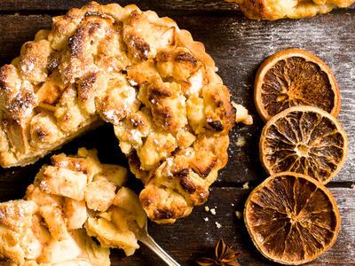 Best Apple Almond Pie