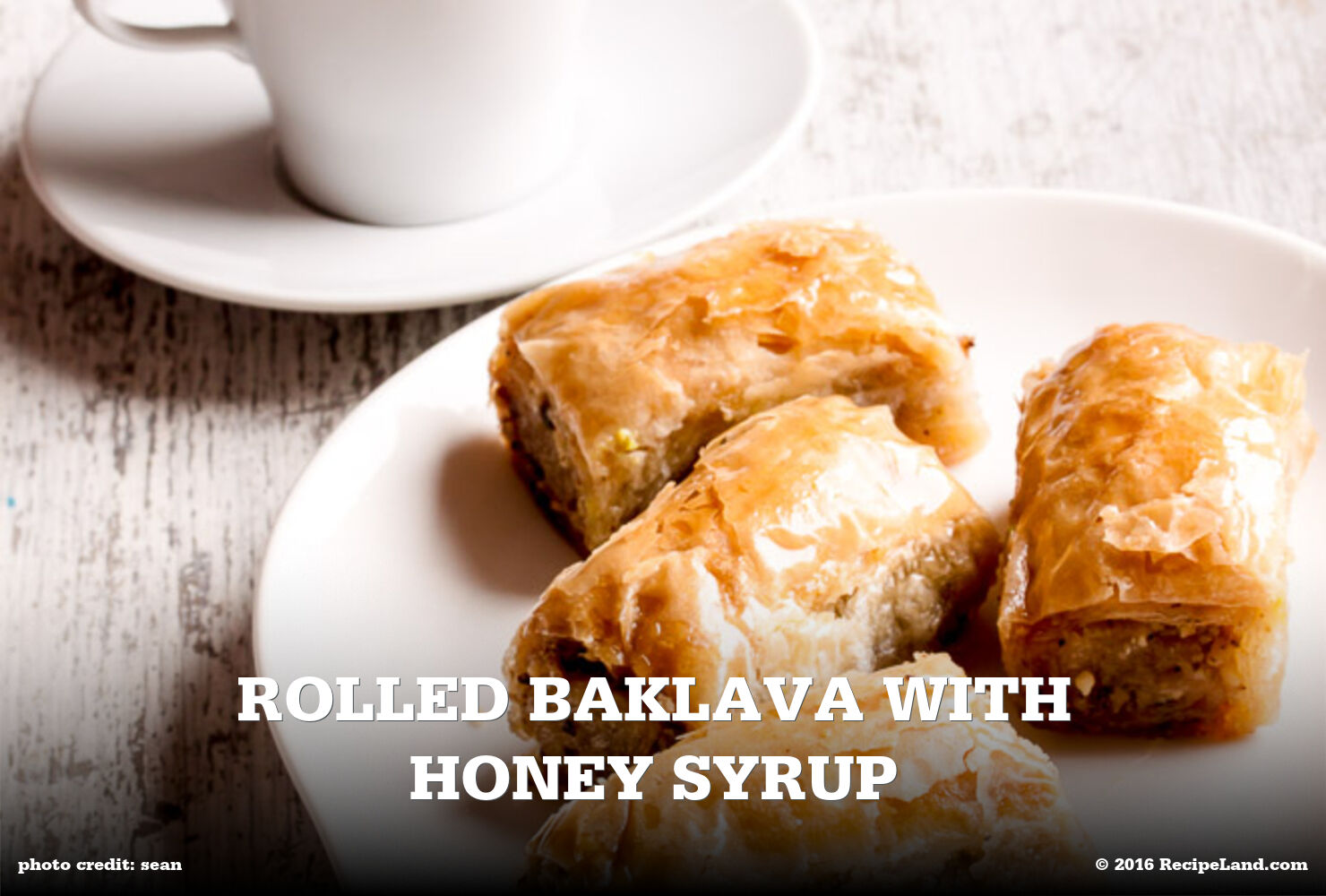 Rolled Baklava with Honey Syrup