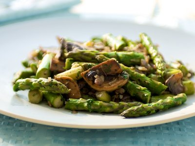 Asparagus with Mushrooms and Fresh Coriander