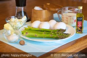 Fluffy Asparagus and Goat Cheese Soufflés