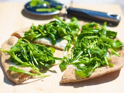 Arugula and Mozzarella Pizza with Garlic-Olive oil