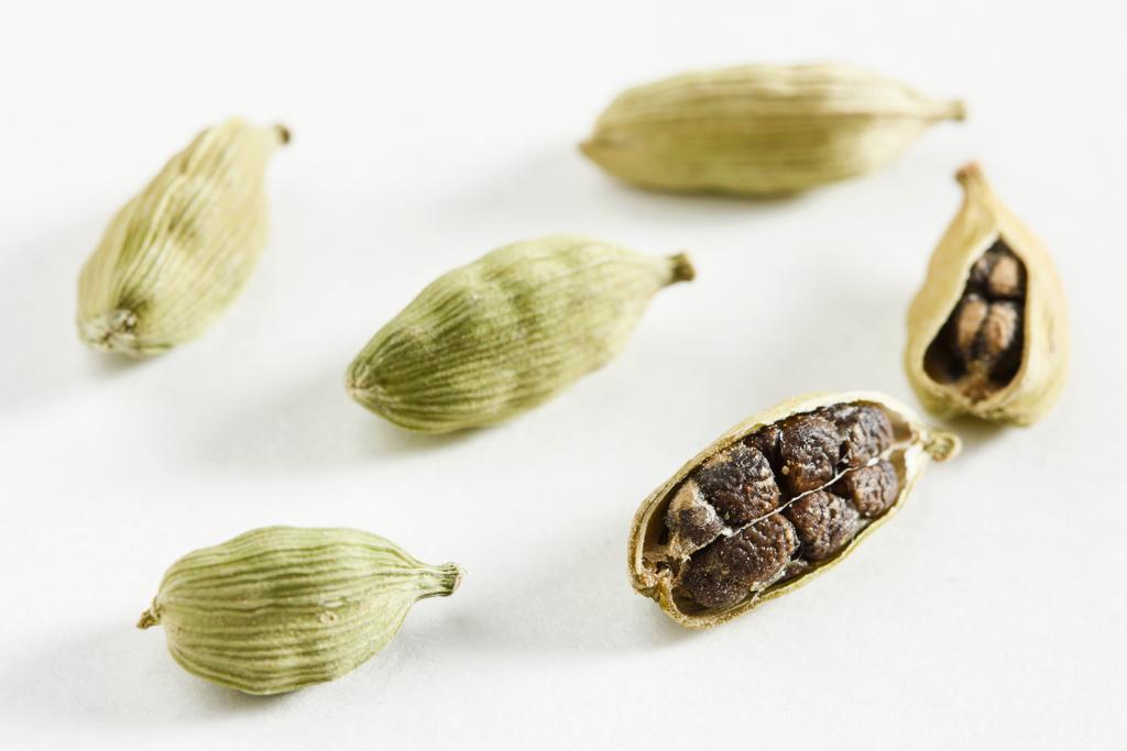 Cardamom seeds and pods
